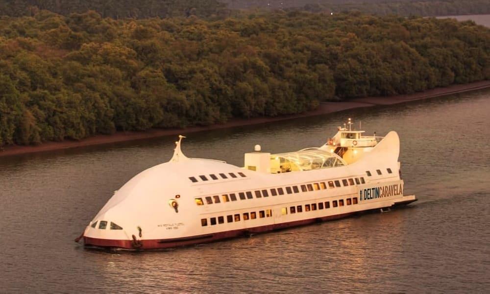floating luxury casino in Argentina